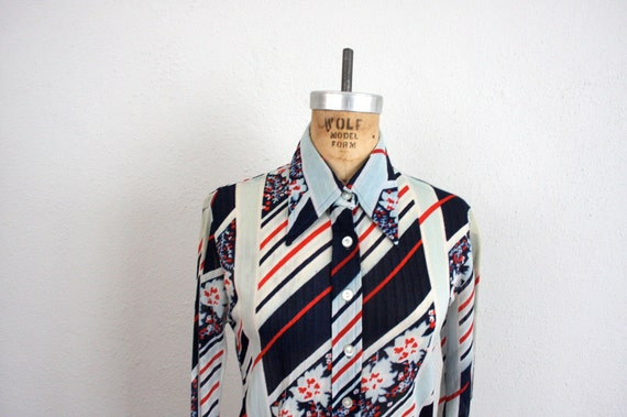 Vintage Top Blouse // Navy Blue Striped Retro Button Down Shirt