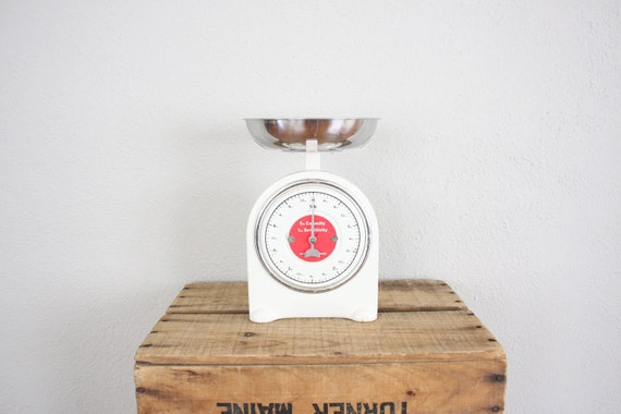 Vintage Scale // 1960s Industrial Scale // White and Red Mod Postage Scale // Chic Kitchen Scale