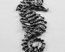 2x Seahorse Large pendant 1 bail Australian Pewter  af218