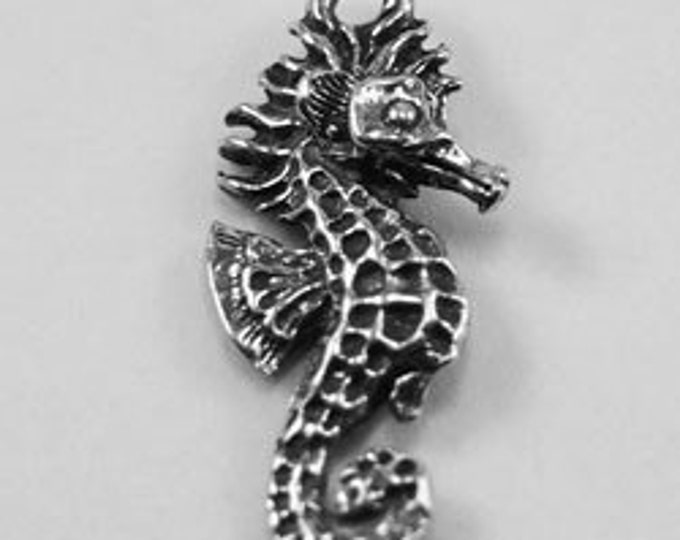 4 x Small Seahorse pendant or charm 1 bail Australian Pewter AF67