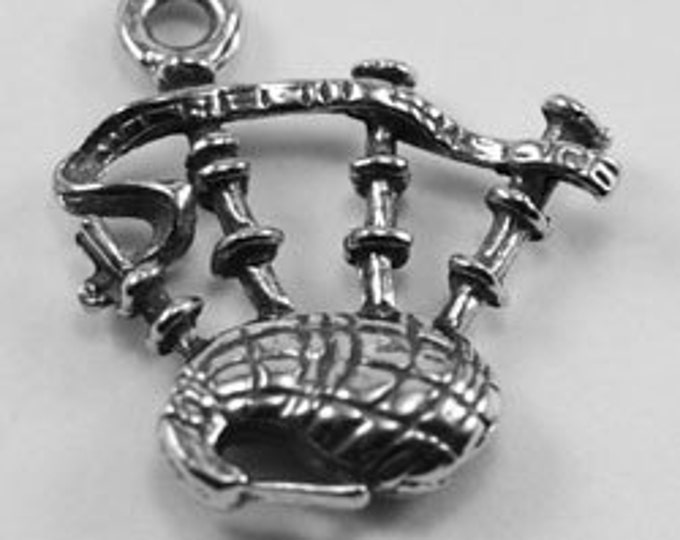 13 x Bagpipes scotish charm or pendant great for earrings 1 bail Australian Pewter mi026