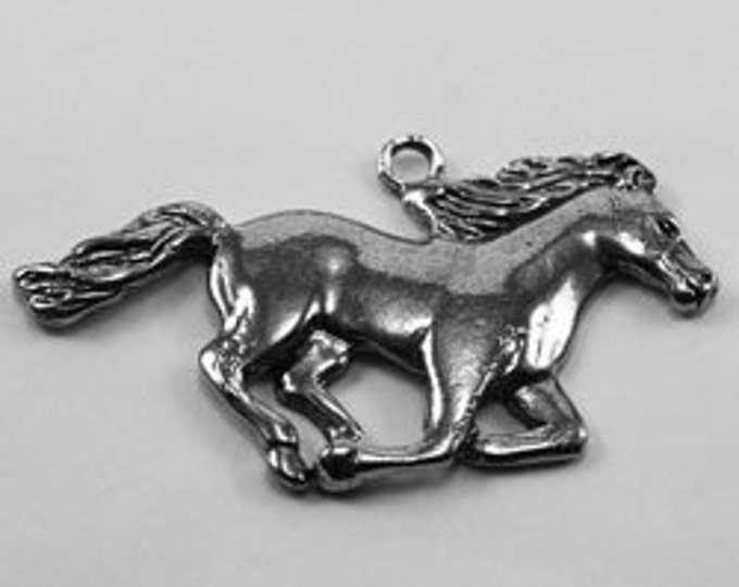 2 x Medium Horse pendant  1 bail Australian Pewter af363