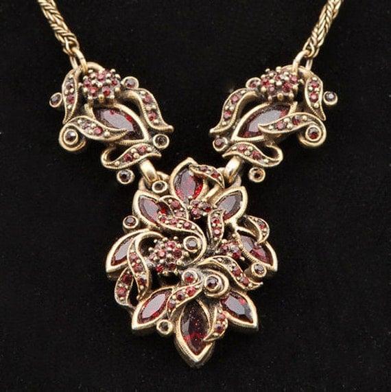 Hollycraft dtd 1950  Garnet Demi Set Necklace Earrings