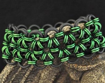 Black and Green Stretchy Bracelet B146