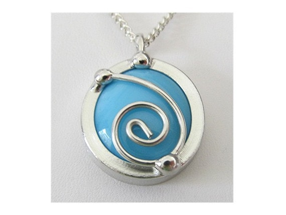 Turquoise Glass Pendant Necklace Spiral