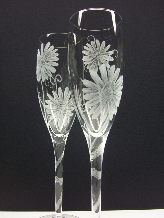 Daisies . 2 Champagne Flutes . Hand Engraved