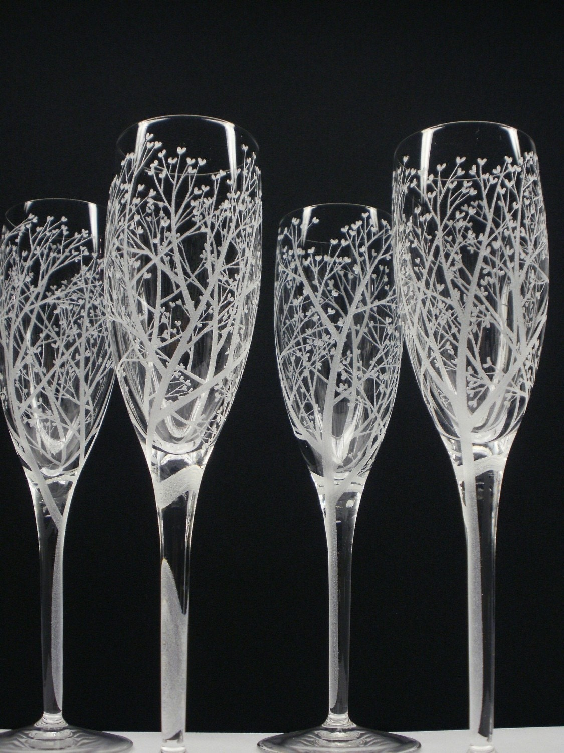 tree of love 4 champagne flutes hand engraved. Black Bedroom Furniture Sets. Home Design Ideas