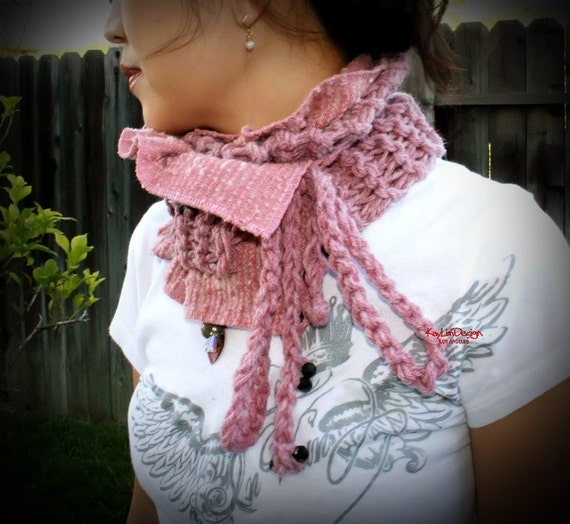 dusty pink knitted scarflette