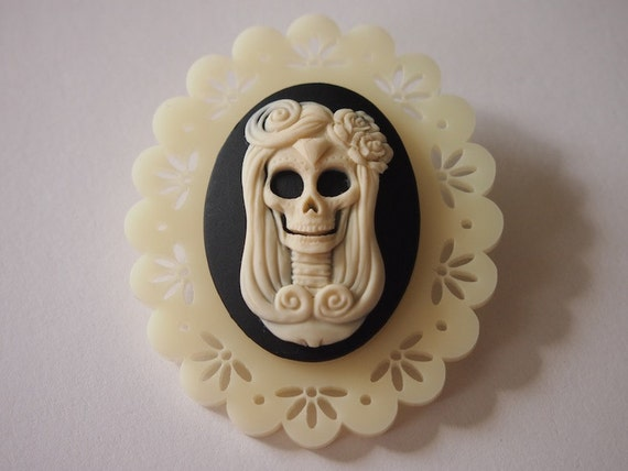 Day of the Dead Skull Cameo on Cream Lace Perspex Laser Cut Brooch