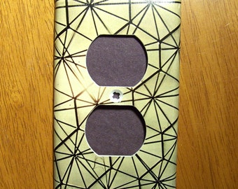 Geometry Rules - Single Outlet Cover