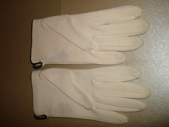 Vintage 50s Gloves Short White with Navy Piping NOS