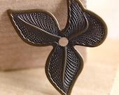 4pcs Three-Leaf Embellishment, Hand Finished Antiqued Patina (ELA3)