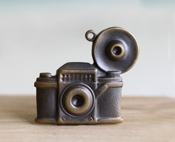 4pc Camera Charm, Hand Finished Antique Brass Patina (W1CA)