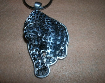 spotted cat keychain