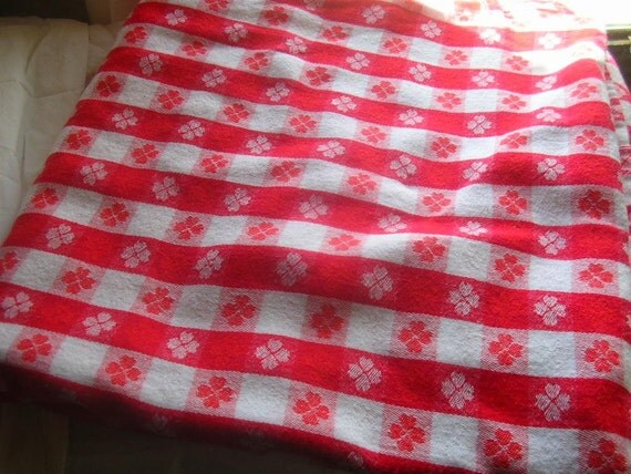woven gingham tablecloth