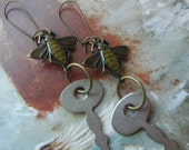 Bee Keeper Earrings/FREE SHIPPING