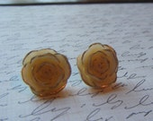 Ivory Resin Flower Studs/FREE SHIPPING