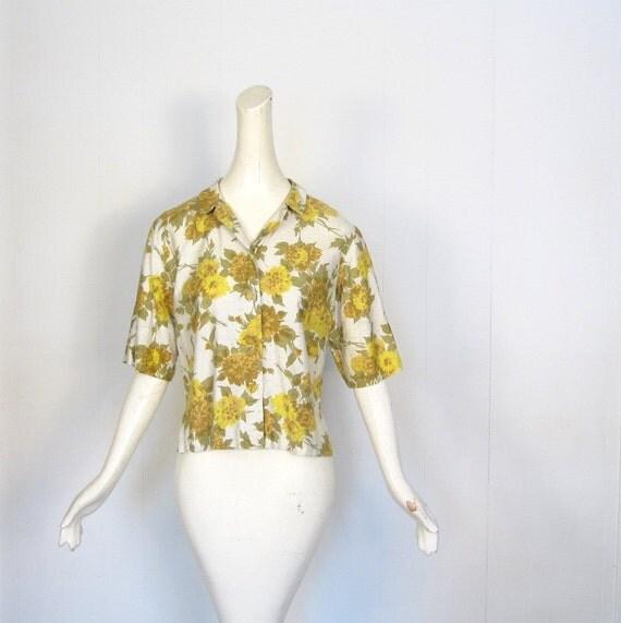 Vintage 1950s Blouse / Yellow Carnations / 50s Blouse / L