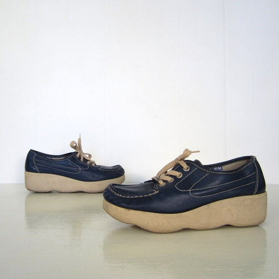 1970s Famolare Shoes / 70s Wedge Oxfords / Midnight Blue / 10 M