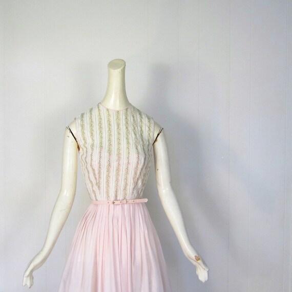 1950s Pink Dress / 50s Dress / Rose Lace Bodice / Blush Pink Dress / XS