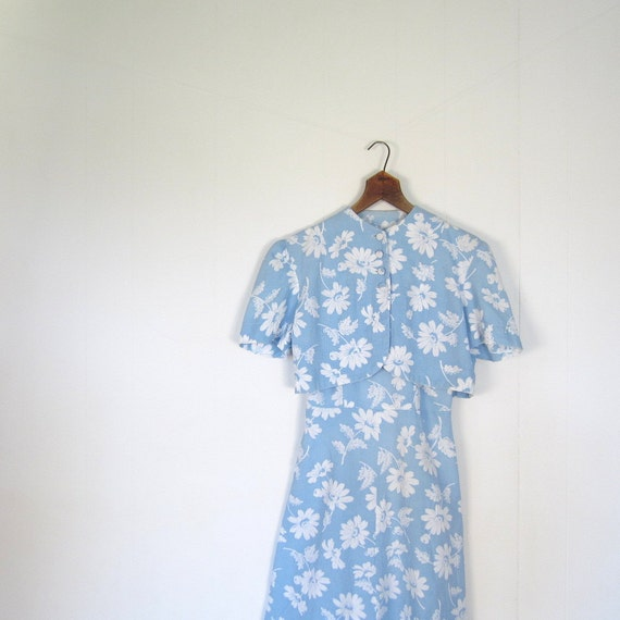 Vintage 1940s Dress / 40s Dress and Jacket Set / Sky Blue Daisy Pique / XS