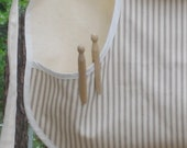LittleCottageShop Vintage Style Clothespin Apron