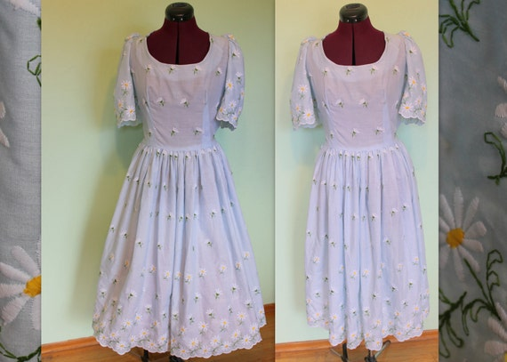 1950s 1960s light blue spring daisies flowers embroidered dress XL XXL