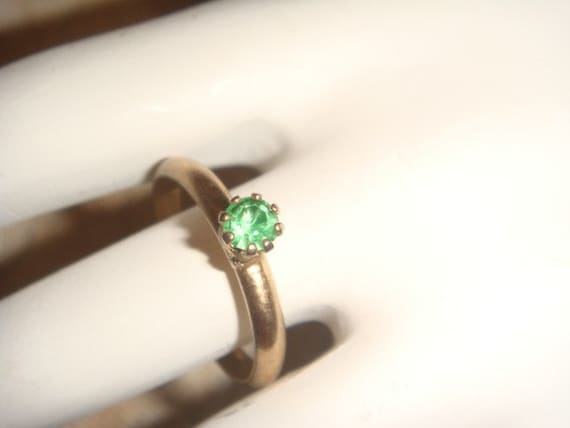 Vintage Adjustable Gold Ring with Emerald