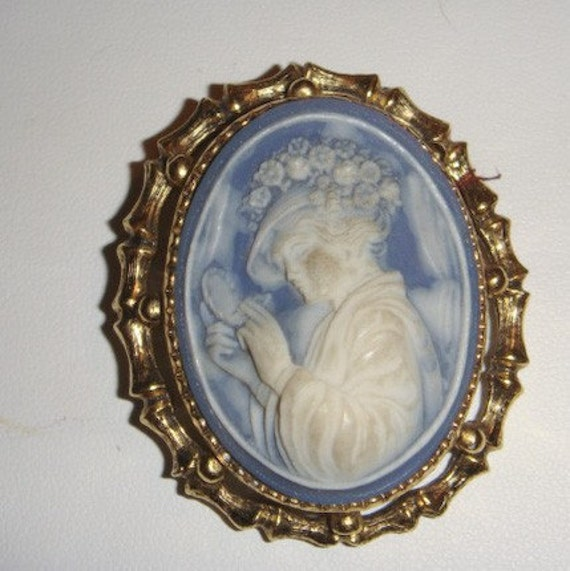 Vintage Cameo Brooch Pin Gold and Blue