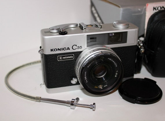Vintage Konica C35 Automatic Camera 35mm with Box Remote Case Instructions