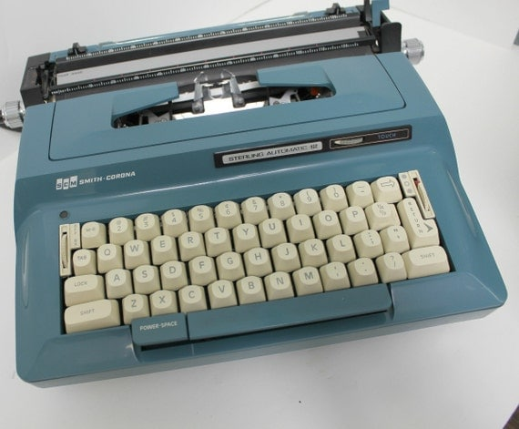 Vintage Smith Corona Typewriter Sterling Automatic 12 Turquoise