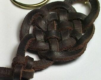 Celtic Round We Go Spanish Leather Keyring