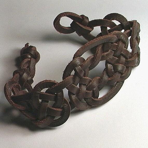 celtic two united spanish leather bracelet celtic knot. Black Bedroom Furniture Sets. Home Design Ideas