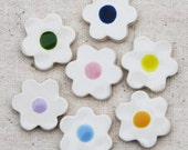 Ceramic flowers for mosaic or magnet making, cream daisies with colorful centers, glazed on one side, 7 pieces