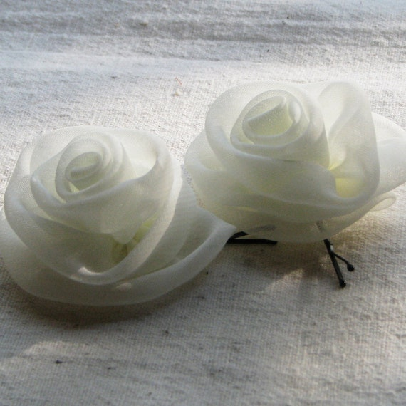 Ivory rose bobby pins, small hair flowers in ivory chiffon fabric, perfect for flower girls, bridesmaids, bridal, or communion, set of 2