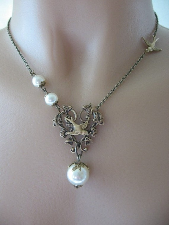 Heart Filigree with Pearls and Swallow Necklace - Alice's Garden
