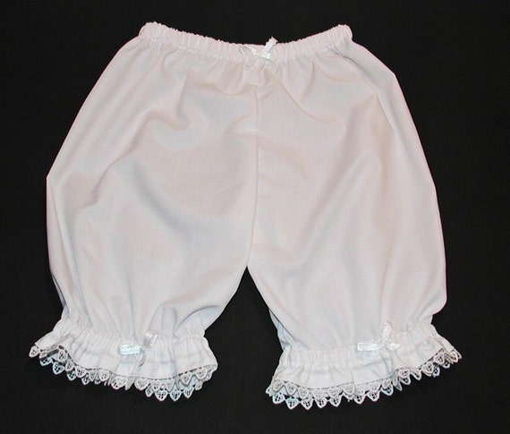 White Lacy Hearts Ruffled Bloomers Size 18 Months