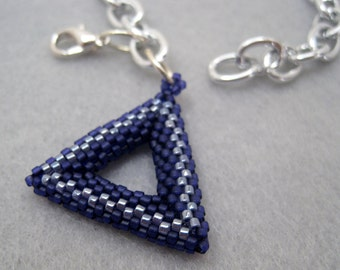 Silver Chain Links Bracelet - Tubular Peyote Triangle Charm - Purple by randomcreative on Etsy
