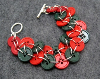Button Bracelet - Christmas (red, green) by randomcreative on Etsy