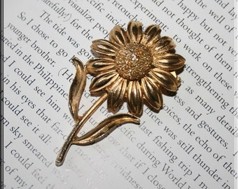 Golden Coneflower Vintage Daisy Brooch