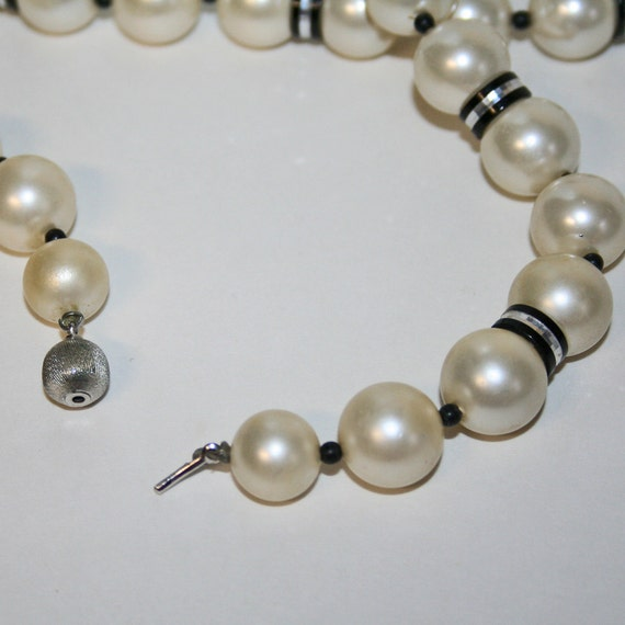 Vintage Necklace Faux Pearls Black Aluminum Modern Elegant