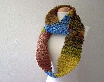 taiga. chunky knit infinity scarf handknit wool cowl eternity circle scarf . rustic fall fashion winter accessories . brown blue green gold