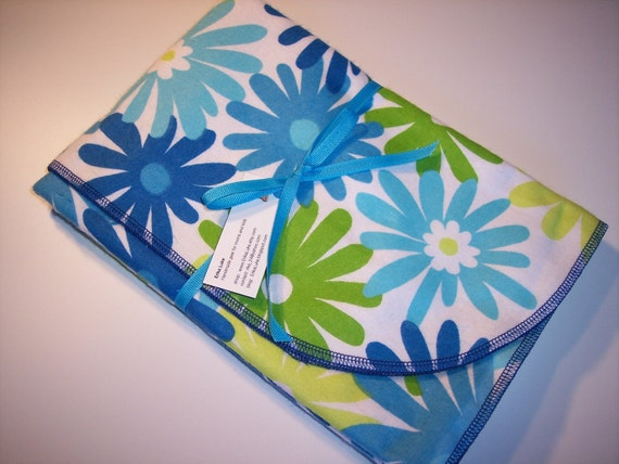 Clearance - Children's receiving blanket, cotton flannel, lime turquoise retro daisies, by ErikaLuke on Etsy