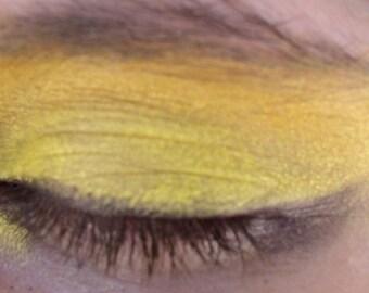 Vegan Mineral Eye Shadow Pulsar Yellow 5 gram jar ( apprx. 2 grams)