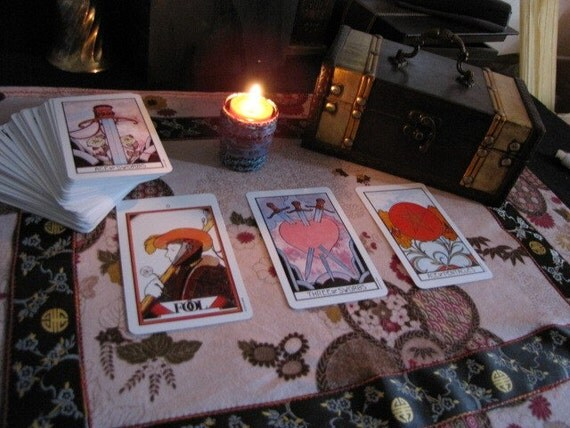 Tarot card cloth