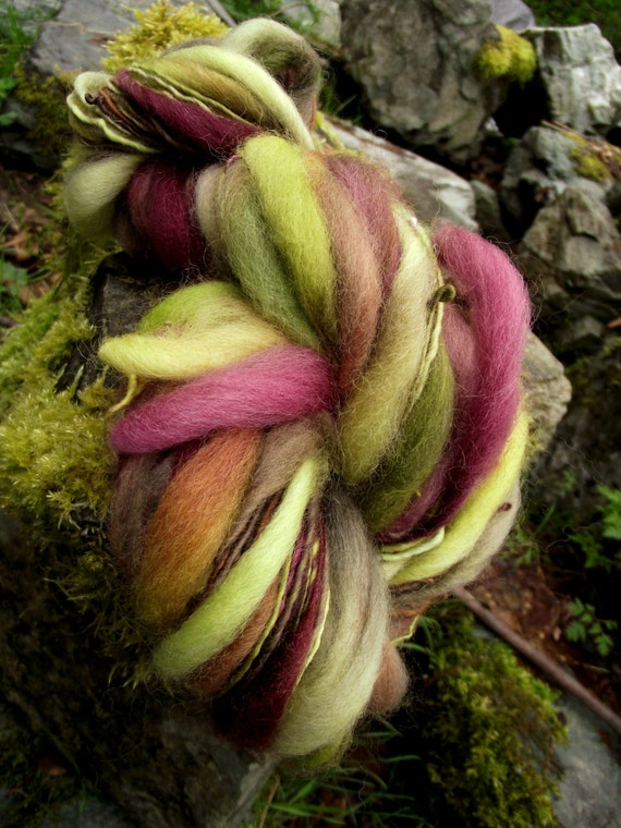 Handspun yarn, handpainted extreme thick and thin art yarn, slub yarn Merino Rambouillet wool yarn-POISON APPLE