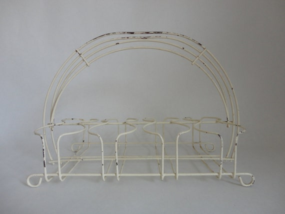 for bottles/tumblers/vases...VINTAGE ivory WIRE CARRIER with 8 slots