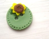 RESERVED custom order for JeanPatchbyMK-- 25 sunflower buttons