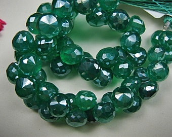 Onyx Gemstone Bead.  Semi Precious Gemstone Briolette. Green Faceted Onion Briolette, 8mm. Pairs or NonMatch 1 to 5 Briolettes (2ox).