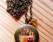 Shine - Fine Art Old Gold Resin Locket